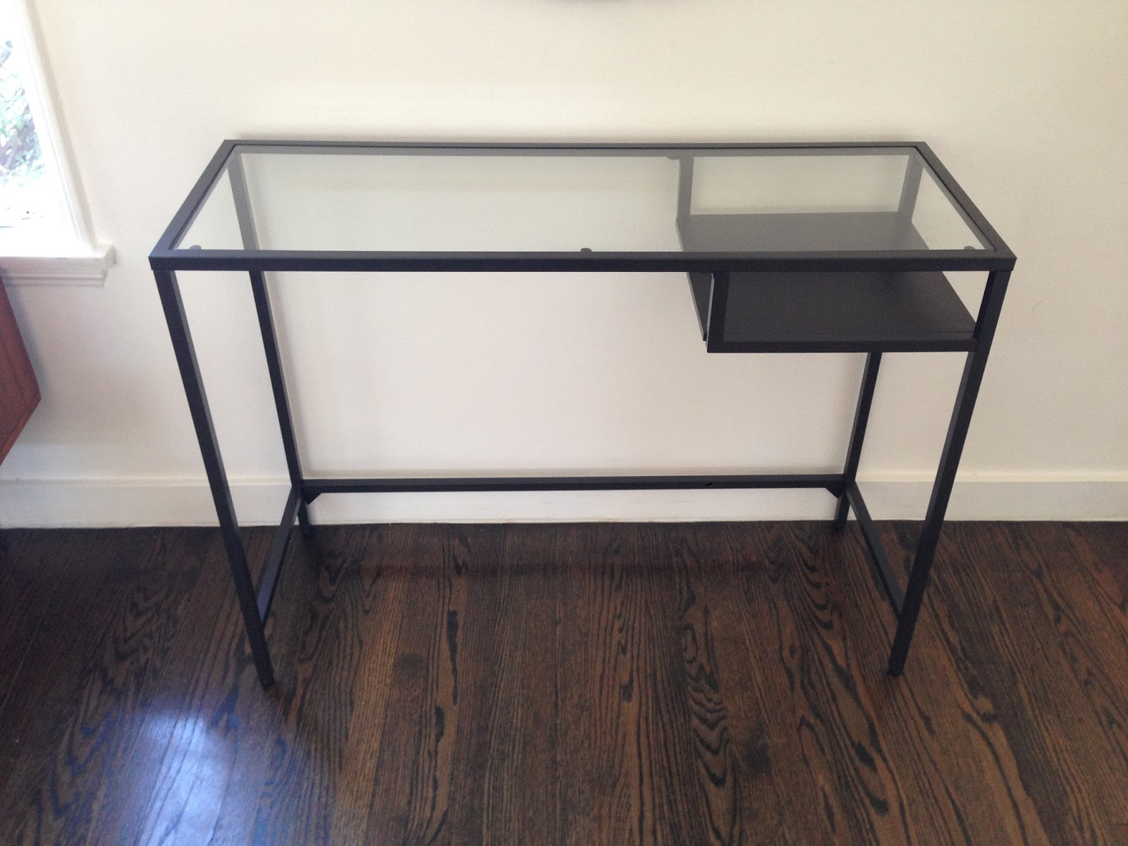 Prima e dopo una scrivania ikea diventa uno splendido tavolo consolle home staging italia - Ikea tavolo consolle ...