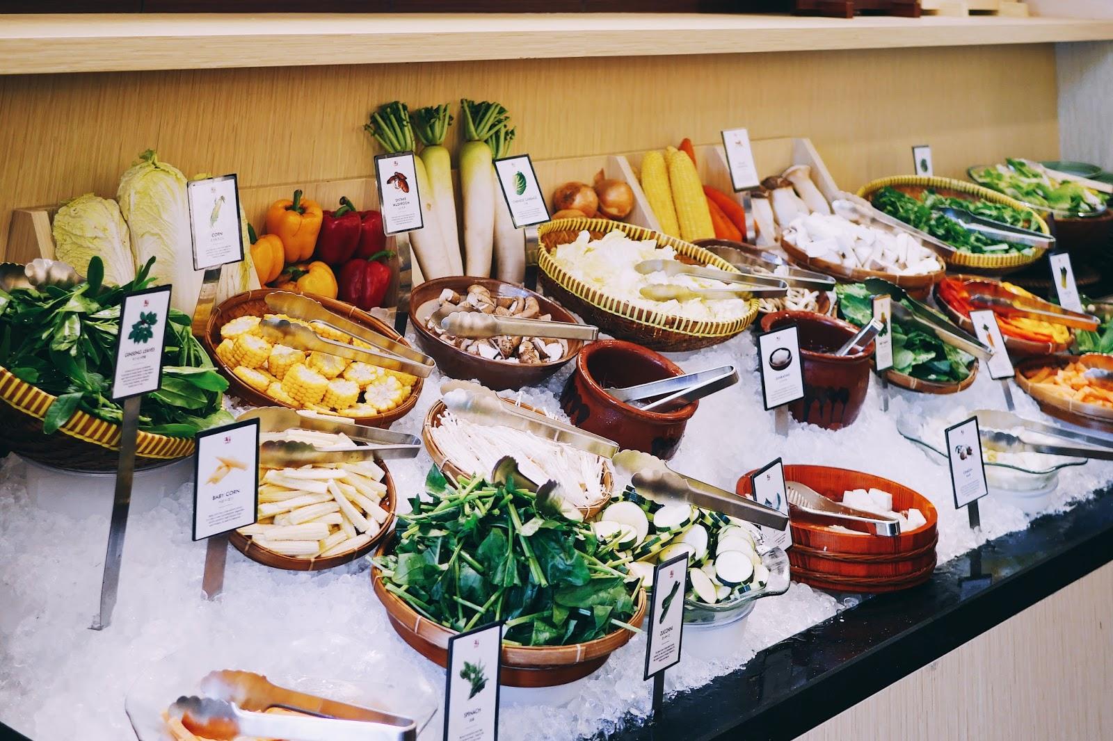 Lulabyspoon indonesian food blogger photographer momo for Food bar pik