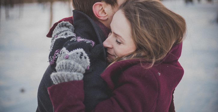 3 Incredible Facts About Cuddling That Make You Healthier