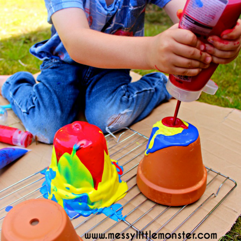 Pour Painting - Easy Outdoor Art Ideas for Kids - large scale, messy, nature inspired art activities for toddlers, preschoolers and school aged kids to do outside.