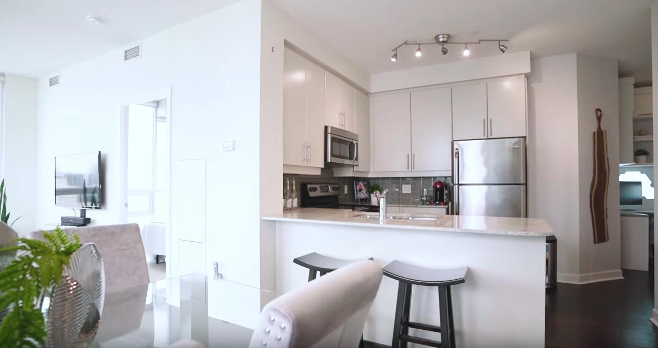 8 Photos vs. 33 Bay Street, Unit 3303,Toronto, ON - Luxury Condo & Interior Design Video Tour