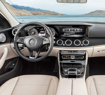 Mercedes-Benz E-Class stearing wheel & dashbord image