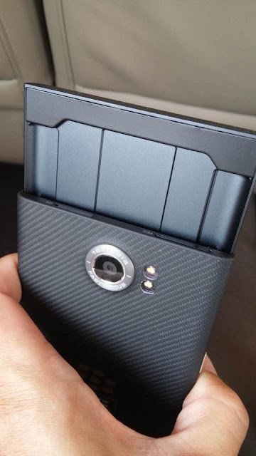First Images of BlackBerry Venice Android