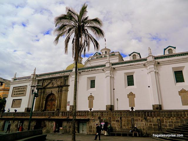 Fachada da Catedral de Quito, Equador