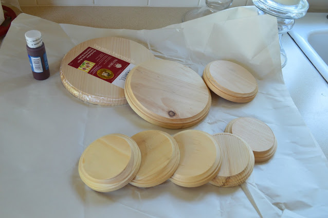 Wooden Rounds In Assorted Sizes To Make A Cake Stand