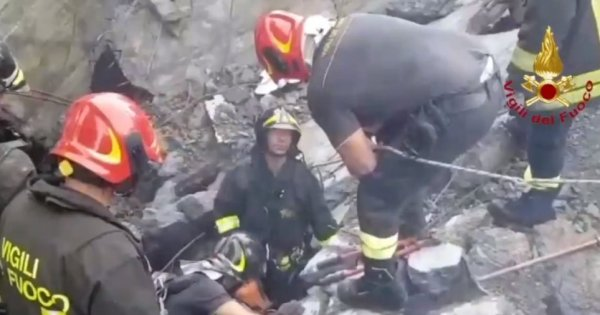 Νέα πλάνα από τη μοιραία γέφυρα στην Ιταλία - Η στιγμή της κατάρρευσης (βίντεο)