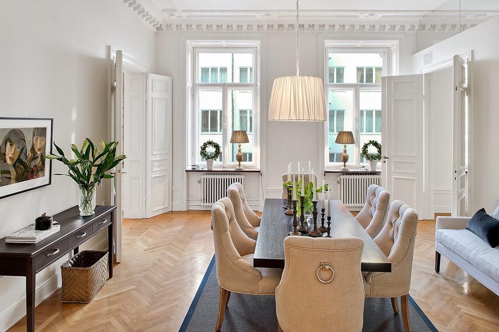 Klasyczny, elegancki salon i nowoczesna kuchnia - wystrój wnętrz, wnętrza, urządzanie domu, dekoracje wnętrz, aranżacja wnętrz, inspiracje wnętrz,interior design , dom i wnętrze, aranżacja mieszkania, modne wnętrza, styl klasyczny, styl nowoczesny, jadalnia