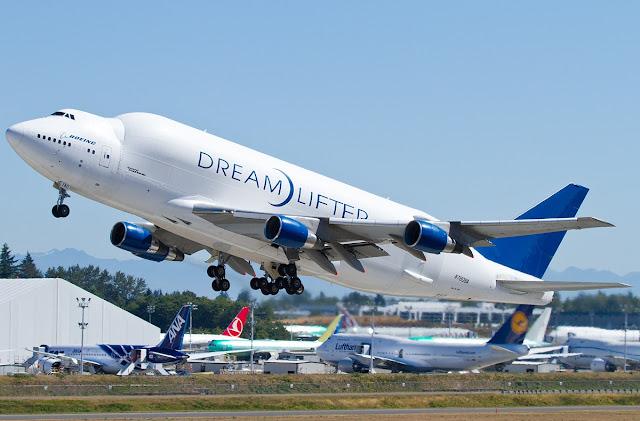 boeing 747 dreamlifter takeoff