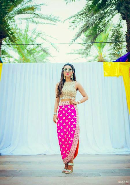 Desi chubby girl with short skirt photo something