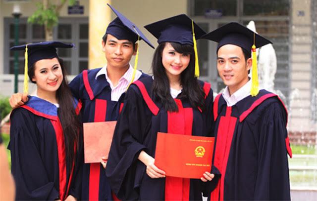 Làm bằng đại học cơ hội giúp bạn dễ xin việc hơn