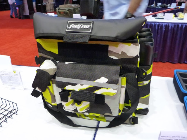 feel-free-camo-crate-bag