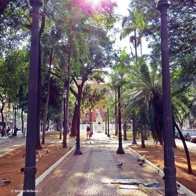 Vista ampla da Praça Julio Mesquita - Campos Elíseos - São Paulo