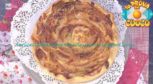 Prova del cuoco - Ingredienti e procedimento della ricetta Quiche con indivia e mela verde di Anna Moroni