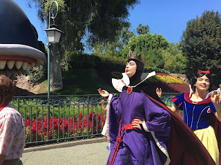 Evil Queen and Snow White Disneyland