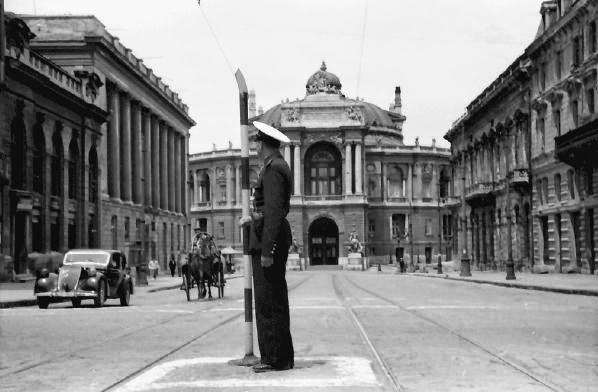 Театр оперы и балета в Одессе 1942