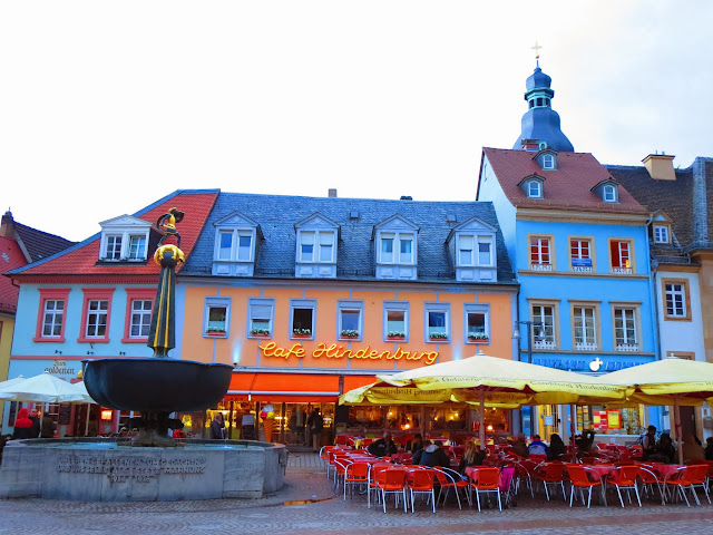 Open-air cafe in Speyer, Germany