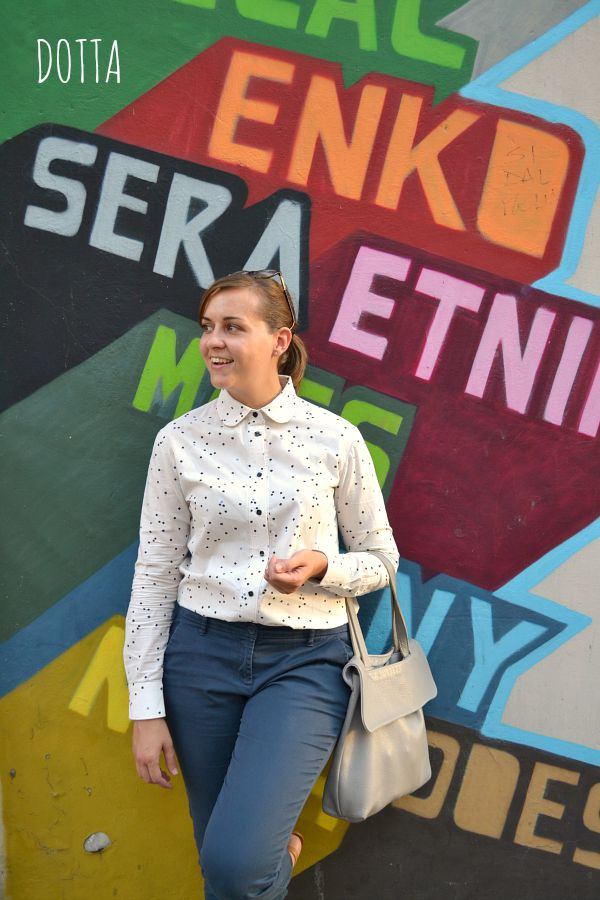 She Wears the Pants - Dotted blouse