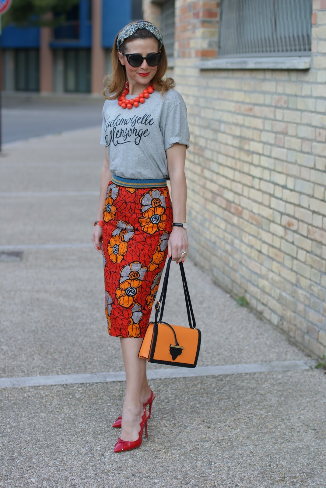 ethnic print pencil skirt on Fashion and Cookies fashion blog, fashion blogger style
