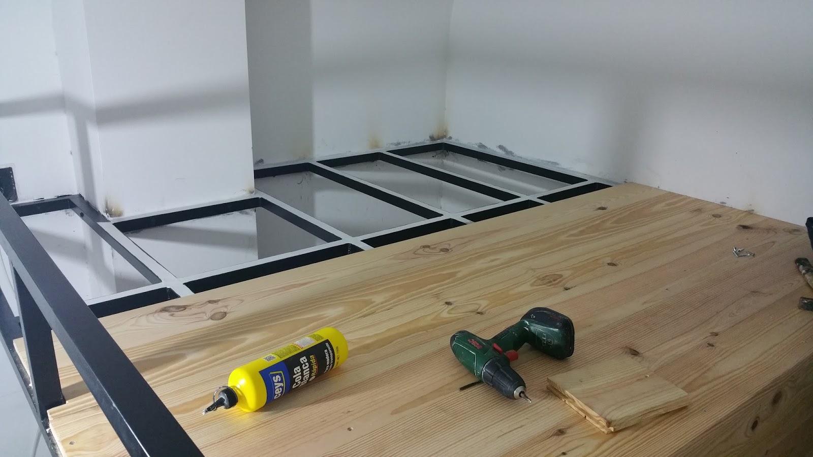 Reformas del hogar altillo litera de obra con escalera for Cama bajo escalera