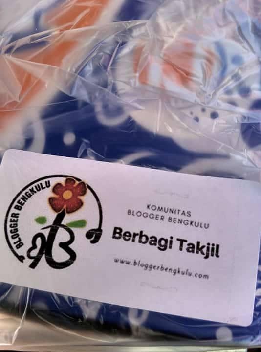 Berbagi Takjil Buka Puasa Bersama Blogger Bengkulu