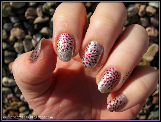 nail art, nail stamping, gold nails,