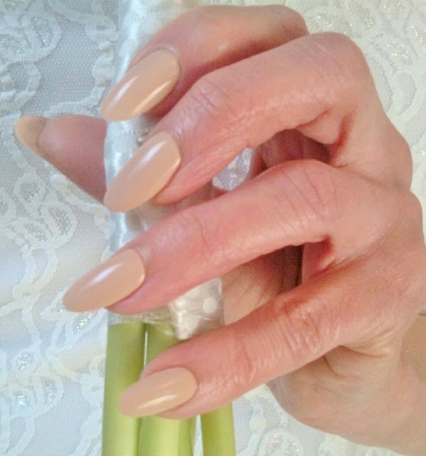 warn nude bride nails