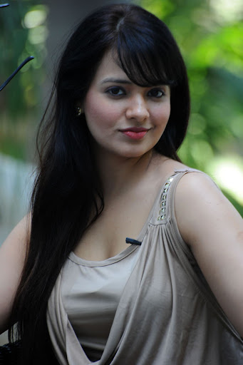 Saloni Aswani Latest Spicy Photos