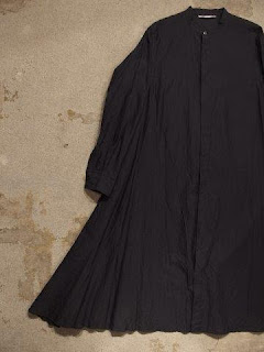 "TOUJOURS ""Band Collar Flared Shirt Dress in Black Navy Middle Weight Cotton*Silk Khadi Cloth"""