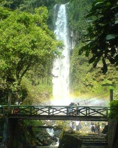 Grojokan Sewu Twangmangu - Tempat wisata di solo