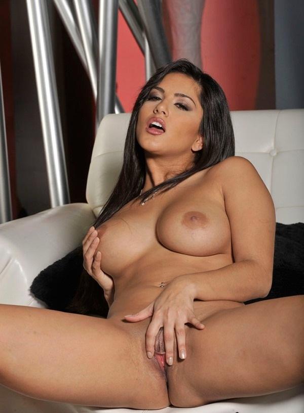 Sunny Leone Real Nude Pics