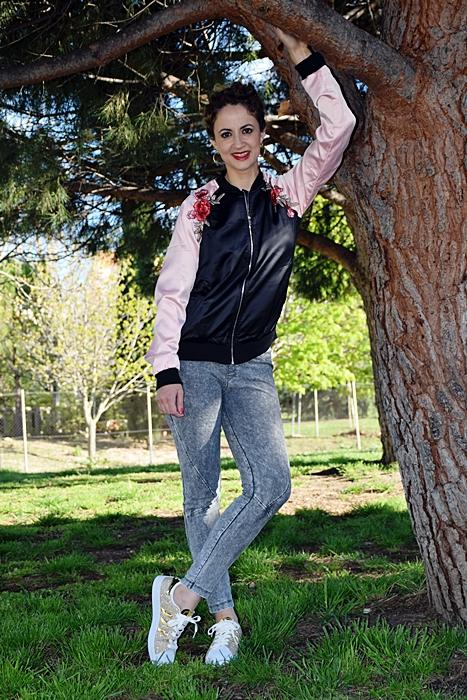 Outfit-cazadora-bicolor-parches-2