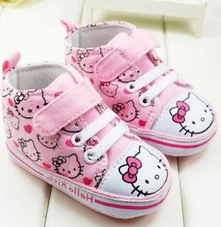 Gambar Sepatu Hello Kitty untuk Anak 3