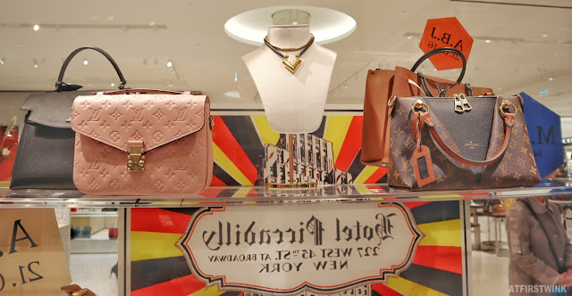 Louis Vuitton pop-up store in Bijenkorf Rotterdam pink bag