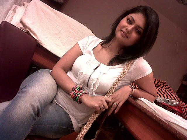 Saayoni Ghosh Sexy