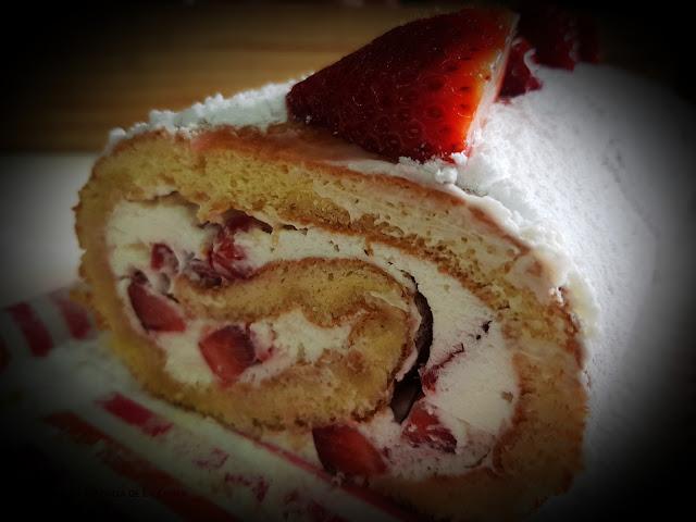 Braç de Gitano, brazo de gitano, postres, maduixa, fresas, Pastel, thermomix, l'essència de la cuina, Blog de cuina de la Sonia