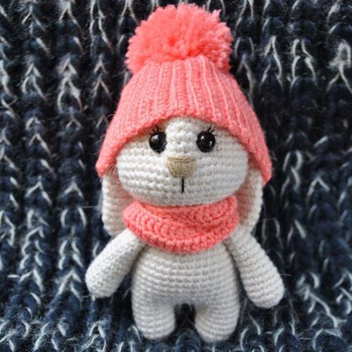 Adorable Bunny Amigurumi with Hat - Free Pattern