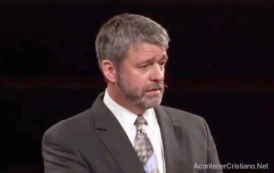 Paul Washer predicando