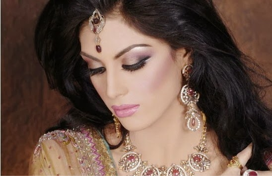 Latest Trend Of Party MakeUp For Indian And Pakistani Girls From 2014 | WFwomen