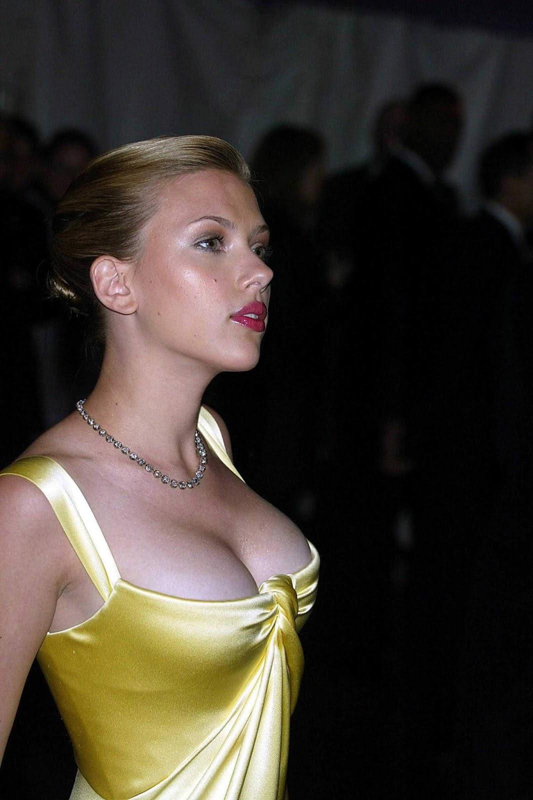 Scarlett Johansson Hot Sexy Photos Wallpapers