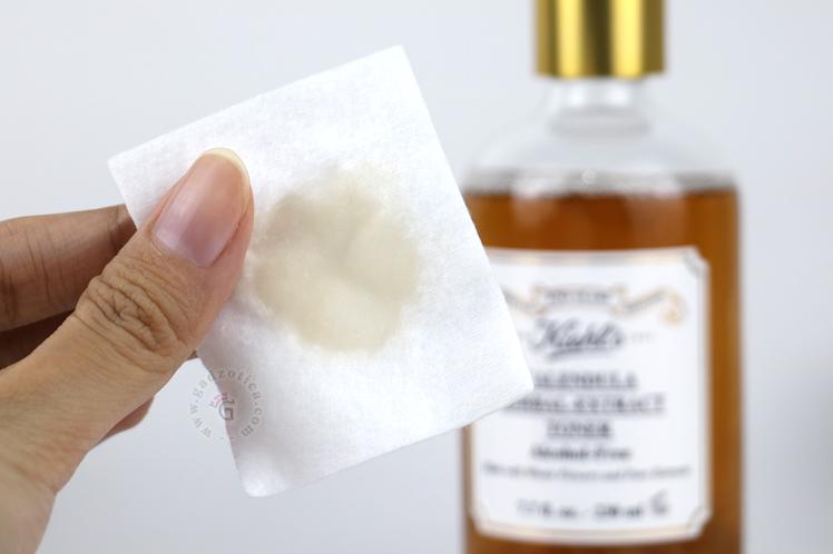 Tekstur Kiehl's Calendula Herbal Extract Toner