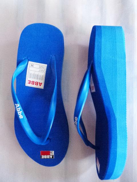 sandal jepit abbe wanita tinggi biru tampak samping