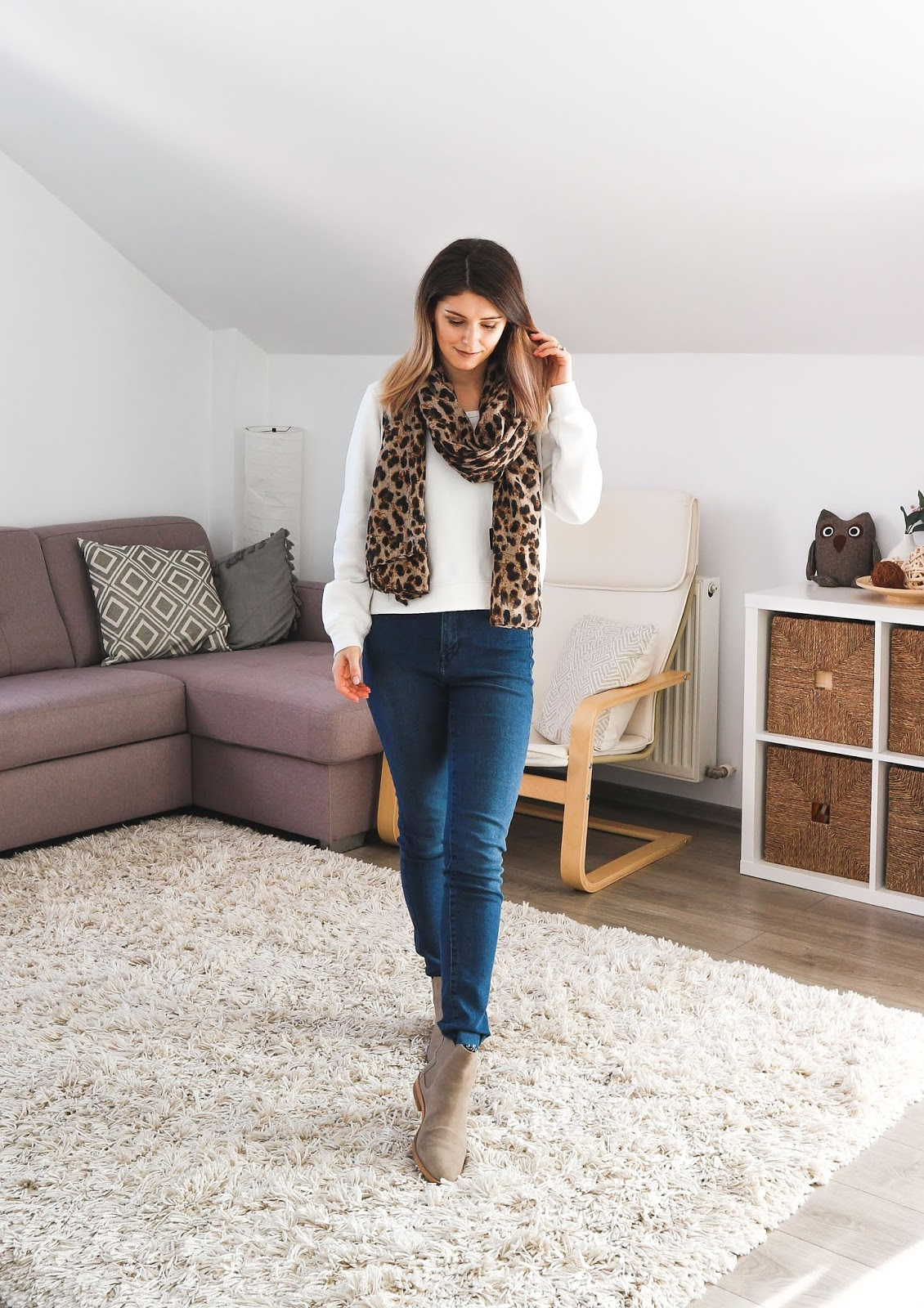 leopard print scarf neutral outfit