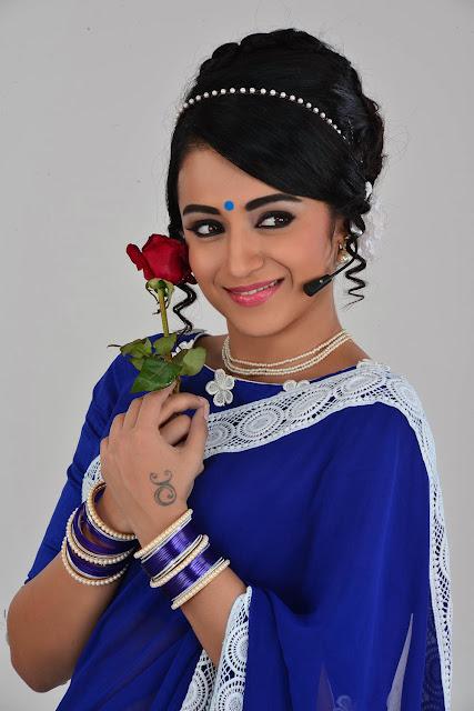trisha krishnan look sexy and glamorous in the photoshoot