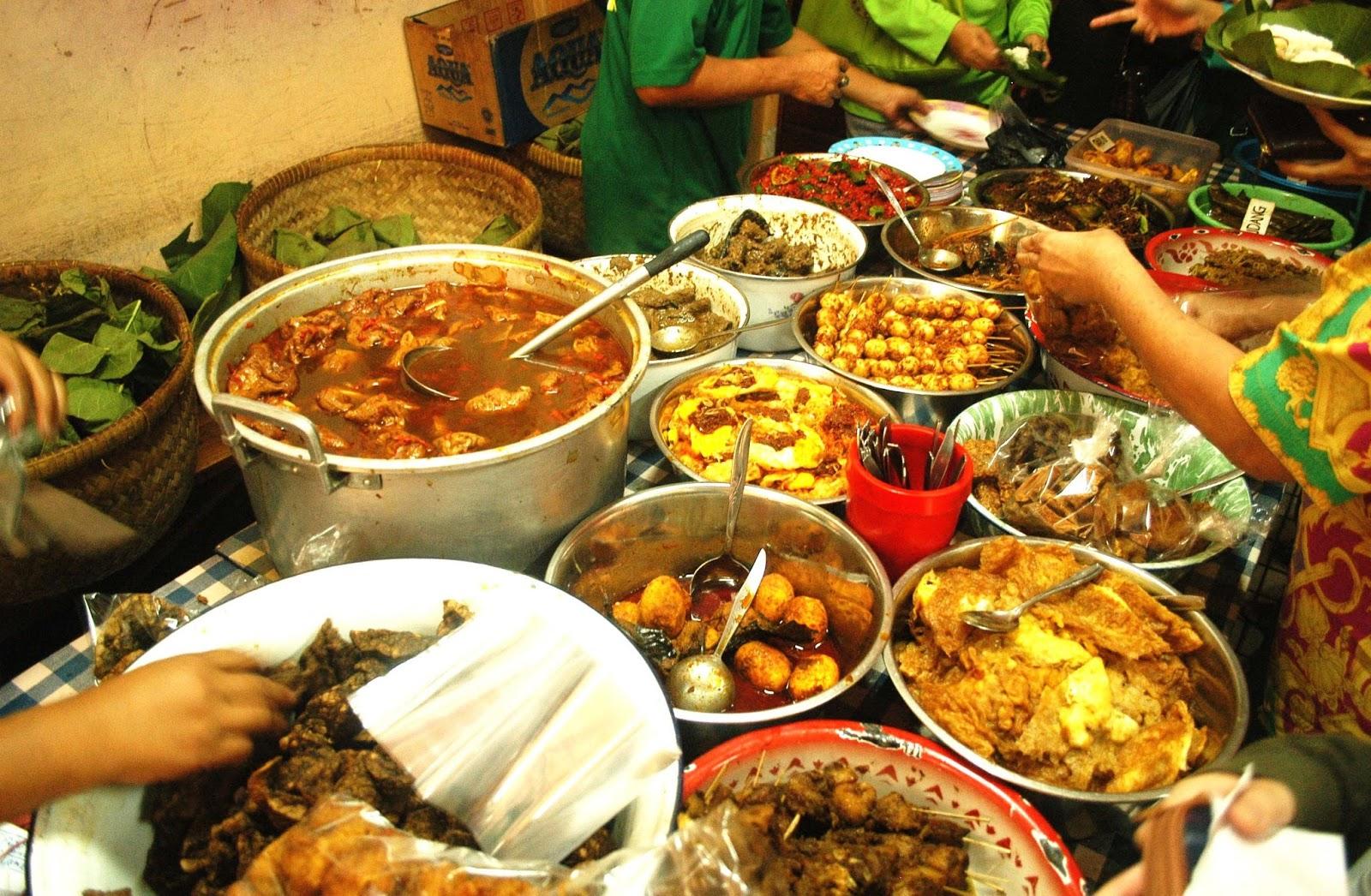 Nasi Jamblang, Sega Jamblang, Kuliner Cirebon, Strawberry Delight