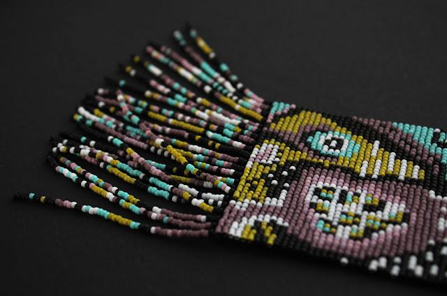 купить стильное необычное украшение из бисера на шею гердан гайтан
