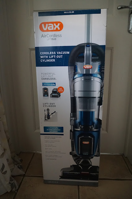 http://www.vax.co.uk/vacuum-cleaners/cordless-vacuum-cleaners/air-cordless-upright-vacuum-cleaner