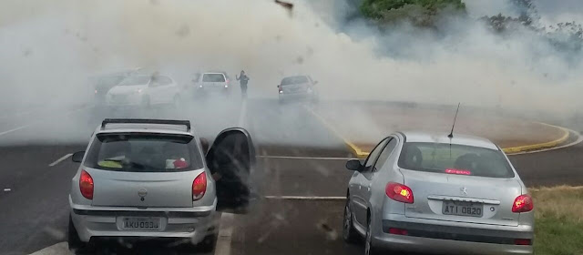 ENGAVETAMENTO ENTRE VÁRIOS VEÍCULOS PIRAPÓ E CAMBIRA