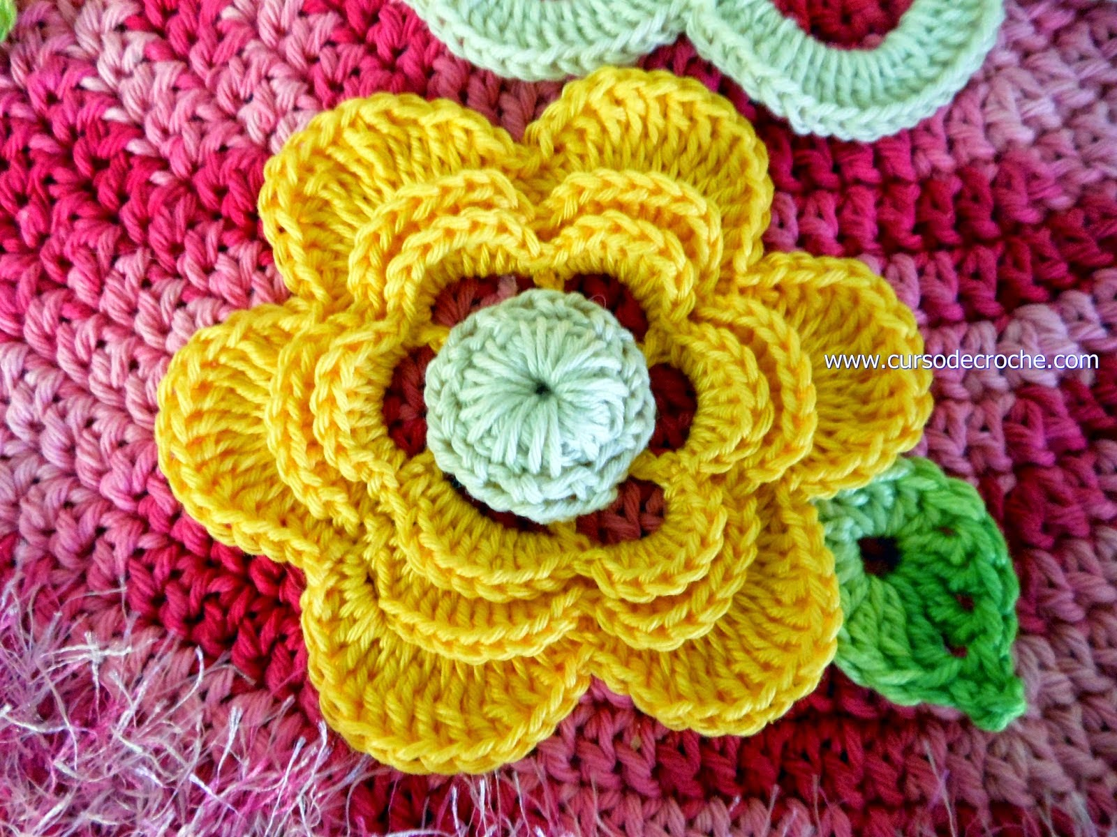 Tapete em crochê redondo rosa forte com ou sem flores Aprender Croche com Edinir Croche