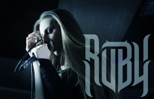 "RUBY BOUZIOTI: Video για τη νέα της διασκευή στο ""The only one"" των Evanescence"