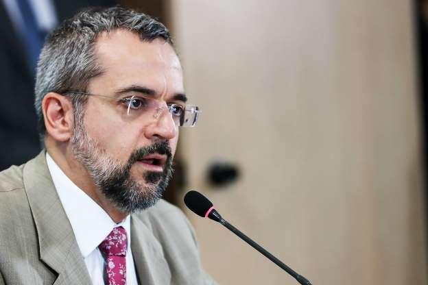 BBWiEyM - Enem acontecerá em 2019 e não terá 'questões ideológicas', diz Weintraub